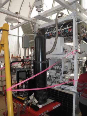 We hooked up the pump for the cryostat's final pump down. Hooking it up when it's on the gondola is quite a challenge!